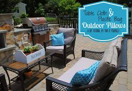 Diy Outdoor Projects Two It Yourself Diy Outdoor Pillows The 15 Minute Tablecloth And