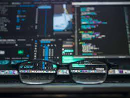Wat is een DDoS-aanval en hoe vermijd je die?