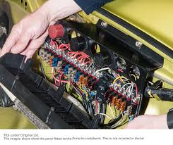 fuse rack 21 way fuse panel led fuse failure indicators porsche fuse rack 21 way fuse panel led fuse failure indicators porsche 911 1974 89 classic retrofit