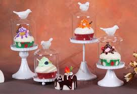 3 awesome cupcake stand with dome for wedding 24