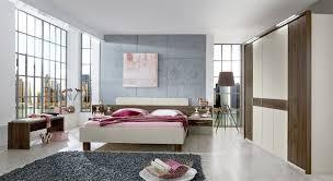 Schlafzimmergestaltung Mit Schräge Wandtattoo Schlafzimmer Klein