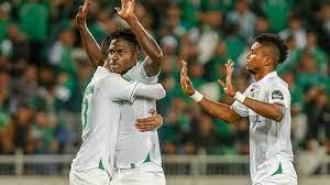 الرجاء المغربي يتوج بكأس الاتحاد الإفريقي بتغلبه على شبيبة القبائل الجزائري  2-1