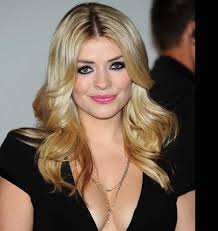 Know holly willoughby wiki, net worth 2018. Holly Willoughby Bio Birthday Height Weight Boyfriend Husband Dating Affair Married Net Worth Ethnicity Fact Career Full Details