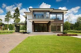 Spécialiste Des Maisons De Style Nordique En Bois Massif Et écologiques,  Honka Propose Ce Modèle Moderne à étage. Elle Dispose Du0027une Surface  Habitable De ...