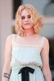 Kristen Stewart Debuts a New Hair Color ...