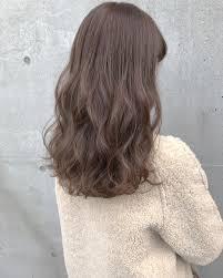 柔らかくて触りたくなるような春の髪2019春人気のトレンドヘアカラー