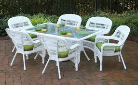 white wicker patio furniture dining
