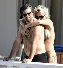 Pamela anderson naked with husband