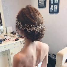 ウェディングドレス向けヘアスタイルまとめおしゃれなアレンジを画像付