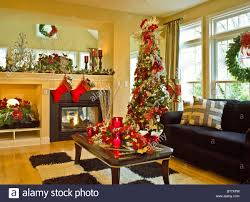 Living Room Decorations For Christmas Coffee Table Family Living Room Decorated For Christmas Holidays