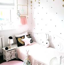 The soft textures are the one that makes this bedroom for women more interesting. Decorate Exquisite Eclectic Bedroom Girly Rooms Ideas Girly Rooms Ideas Graspsense Com