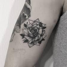 тату розы значение татуировок роз для женщин и мужчин фото эскизы