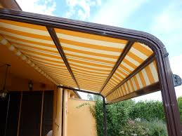 Tende Da Balcone In Plastica : Tende per terrazzi esterni prezzi le leroy merlin moderne