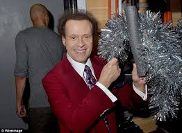 richard simmons transformation. simmons has stayed hidden behind the walls of his hollywood mansion for three years, choosing richard transformation
