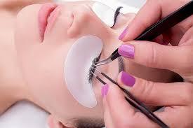 best eyelash glue. best eyelash glue