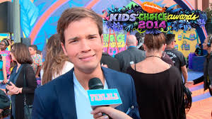 nathan kress muscles 2015. nathan kress doesn\u0027t want to get slimed at the kids\u0027 choice awards 2014 - youtube muscles 2015