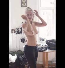 Emma Holten se bat contre le Revenge Porn.