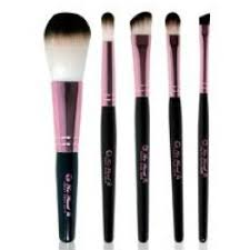 what s a fast and easy way to clean makeup brushes