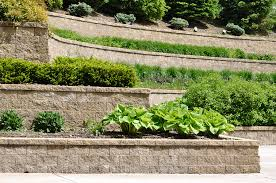 how much does it cost to build a retaining wall retaining walls top ten things to how much does it cost to build a retaining wall