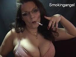 Smoker iwth big tits