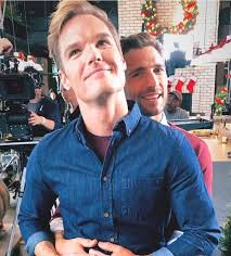 """Ho! Ho! Holiday Viewing! a Twitteren: """"A little bit of silliness from the  CHRISTMAS ON MY MIND set with stars Ashley Greene, Andrew Walker, Preston  Vanderslice and Donna Benedicto, who shared these"""
