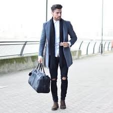 Well you're in luck, because here they come. Black Leather Holdall With Dark Brown Suede Chelsea Boots Outfits For Men 2 Ideas Outfits Lookastic