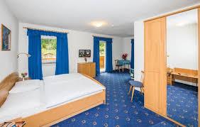 Bildergebnis für Bilder hotel feldrand