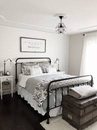 modern farmhouse style combines the