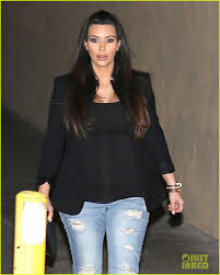 size 13 women kim kardashian pregnant in jeans for kourtneys birthday photo