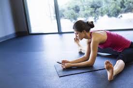yoga etiquette no phones in cl