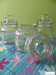 Barattoli di vetro per confetti: come realizzare un puntaspilli