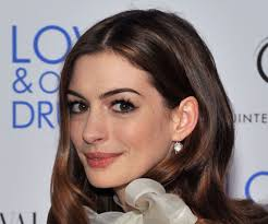 anne hathaway s makeup look at the love and other s nyc premiere popsugar fashion uk