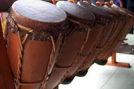 Alat musik melodis adalah alat musik yang dapat membunyikan melodi dalam lantunan lagu. 19 Alat Musik Tradisional Khas Sumatera Utara Gambar Dan Penjelasan Mantabz