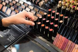 in makeup testers could carry infectious bacteria experts warn
