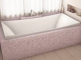 Rectangle Tub with Center Drain, Curving Backrests