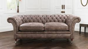 ... Wonderful Furniture For Designing Glamorous Living Room Using Chesterfield  Sofa : Modern Living Room Decoration Using ...