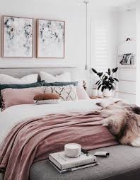 Cozy Pink Romantic Bedroom Ideas