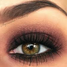 a perfect bronzed smokey eye look to pliment hazel eyes add lashings of mascara to create that perfect evening look