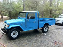 Toyota Land Cruiser FJ45 Pickup