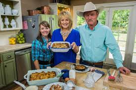 Home & Family   Hallmark Channel   Cast iron cooking, Country ...