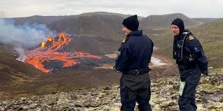 Zuletzt kam es im südwesten der insel zu mehreren erdbebenserien, die einen seit jahrhunderten schlummernden vulkan wiedererwecken könnten. 5fjk9zstx0tecm