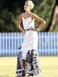 super slim model and actress isabel lucas showed off her worryingly thin frame as