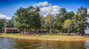 Situated on a lot that has over 500 feet of shoreline frontage with view of lanan creek. Toledo Bend Cabin Rental Motel And Rv In Hemphill Tx