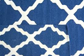 blue and white pattern rug two rugs in diffe sizes with the same pattern in diffe blue and white pattern rug