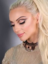 love the intriguing middle eastern makeup looks here s the course to help you to know how to achieve it on yourself or clients