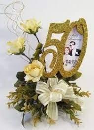Per 50 anni di matrimonio sono grandi per festeggiare con una bella torta, con i regali e, naturalmente, un bel mazzo di fiori dato. Bouquet Di Fiori Per 50 Anni Di Matrimonio 50esimo Anniversario Di Matrimonio Centrotavola Per Compleanno Nozze D Oro