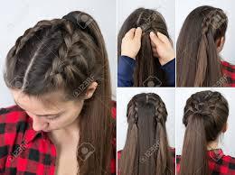 ポニーテール三つ編みヘアスタイルのチュートリアル の写真素材画像