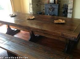 Panca Per Sala Da Pranzo : Sala da pranzo con panca tutto legno tavolo foto di