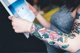 Bezplatný Obrázek Móda Květina Dívka Tetování žena Kniha Ruka