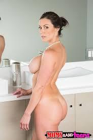 Big ass masturbating bathroom
